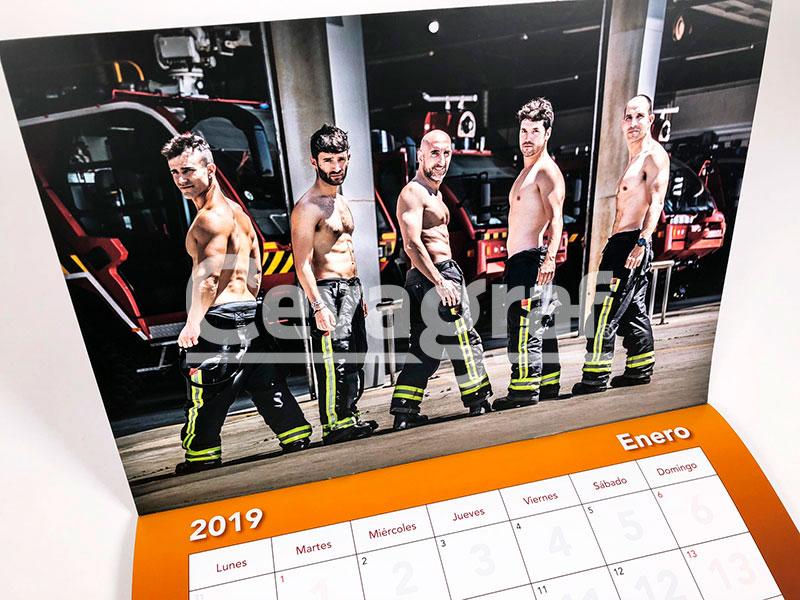 Calendario Solidario de los Bomberos del Aeropuerto de Barcelona-El Prat