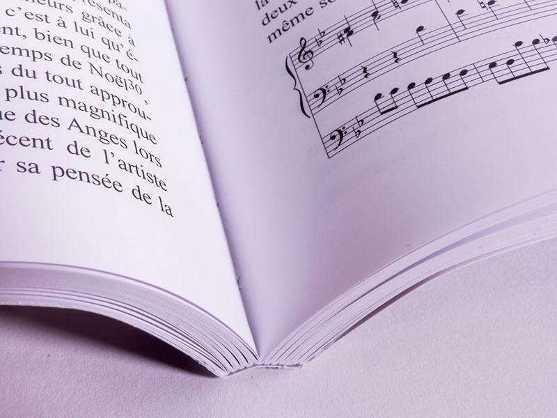 Encuadernación de libros en rústica cosida rústica